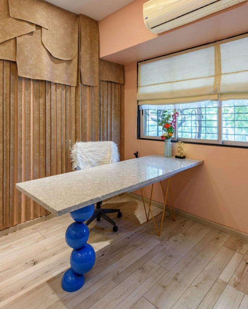alcove-studio-table
