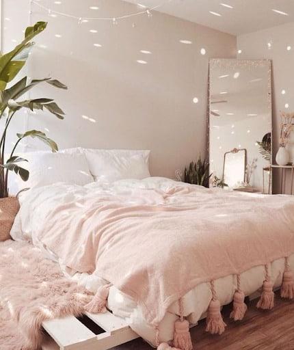 6 Fresh Romantic Interior Design Ideas for your Bedroom 8