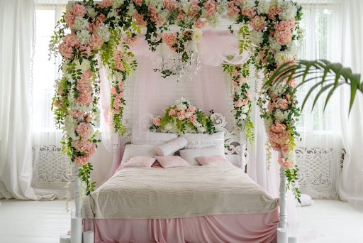 6 Fresh Romantic Interior Design Ideas for your Bedroom 10