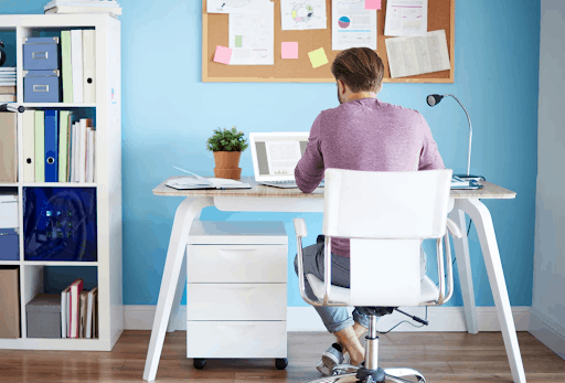 8 STEPS TO SET UP YOUR FIRST HOME OFFICE 3